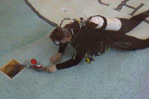 Swimming Pool Leak diver