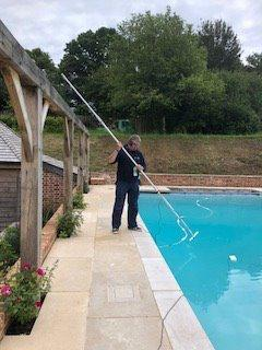 Finding a swimming pool leak